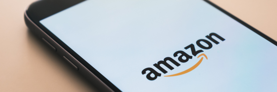 Logo de Amazon sur téléphone portable
