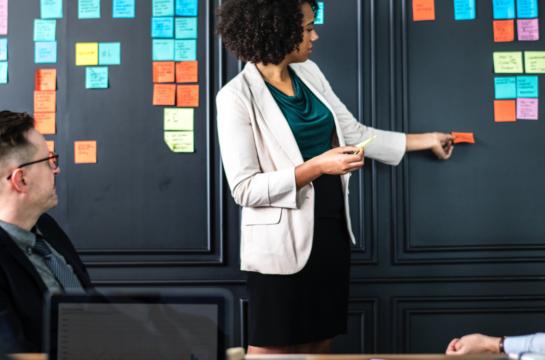 Prendre des décisions stratégiques : 4 solutions à implanter