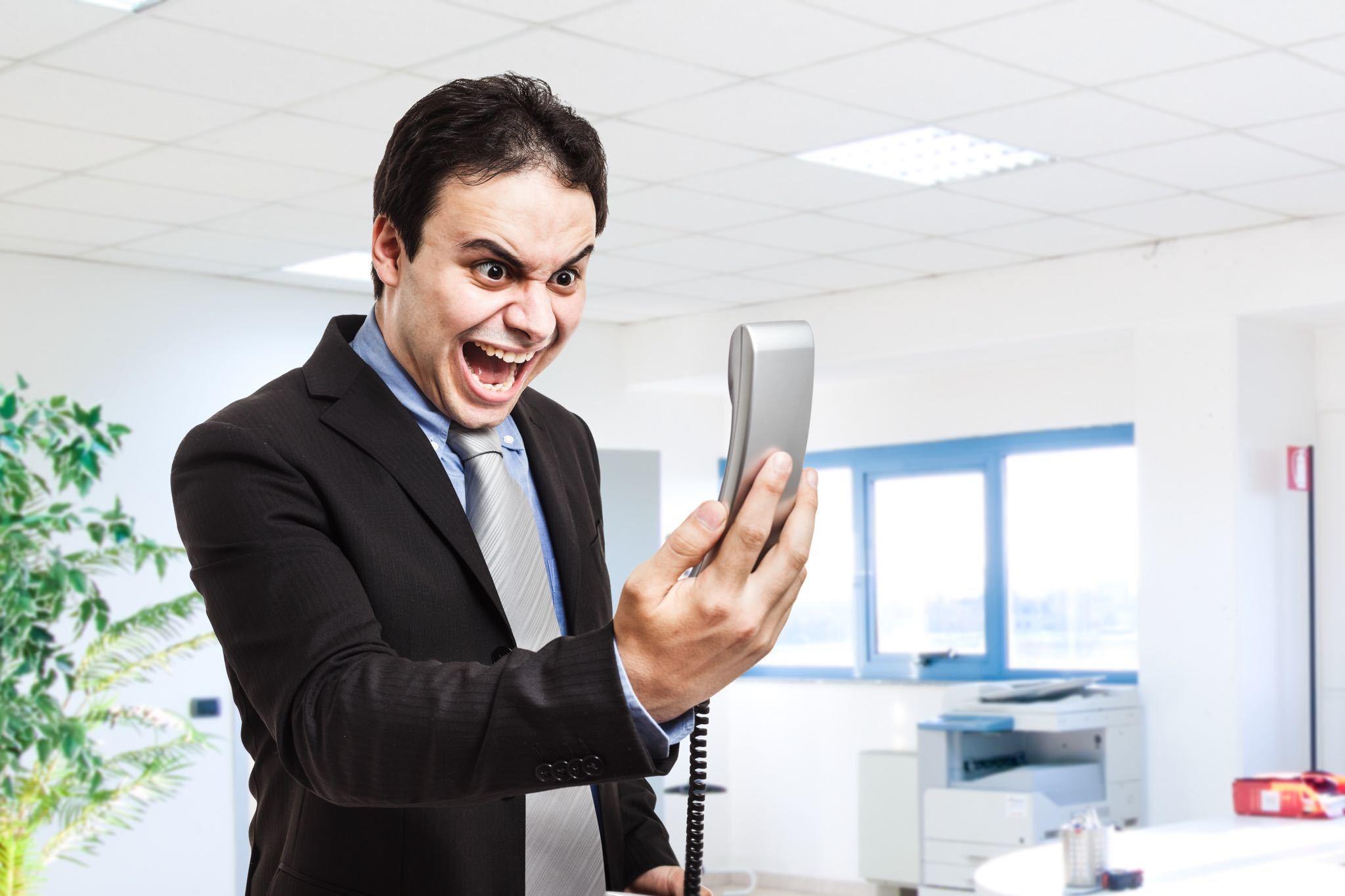 clients-insatisfaits-medias-sociaux